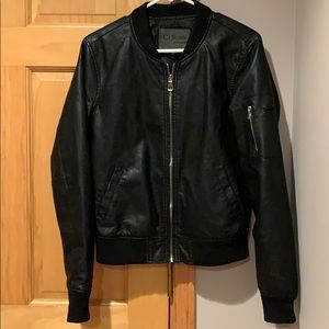 Ci Sono by Cavalini leather like bomber jacket.